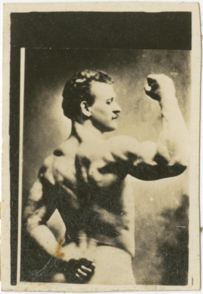 Small photo of Eugen Sandow posing