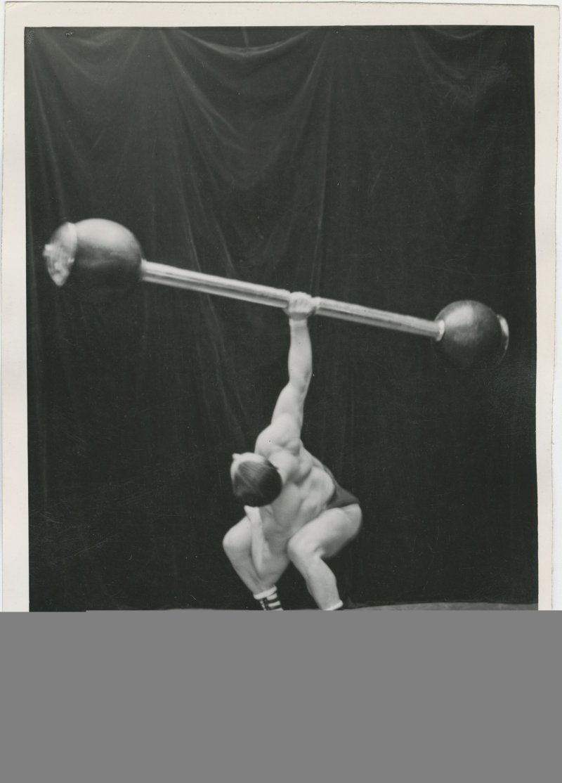 Photo of Siegmund Klein lifting