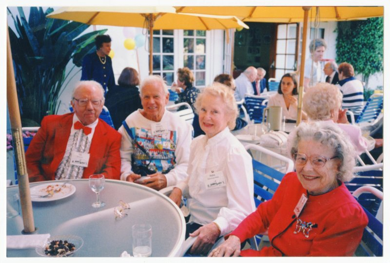 Pudgy and Les sitting with Glenn Sundby and Relna Brewer McRae